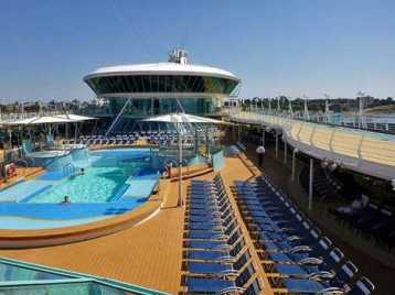 Rhapsody of the Seas - Main Pool