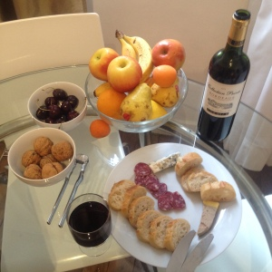 Hors d'Oeuvres - At Home in Paris