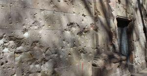 Wall of Plaza Neri - Barcelona