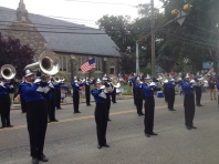 parade-performing-band