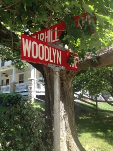 woodlyn-avenue-street-sign