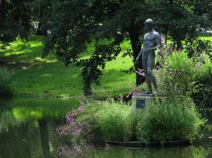 tiergarten-statue
