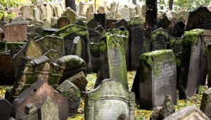 prague-old-jewish-cemetery