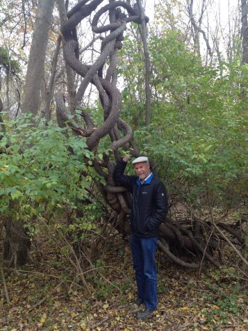 frank-with-climbing-vine-along-the-wissahickon-creek