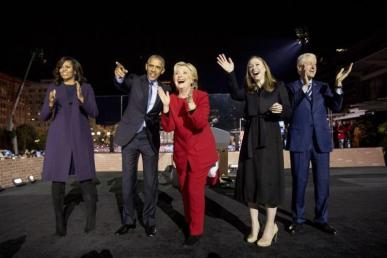 clintons-obamas-at-independence-hall-rally