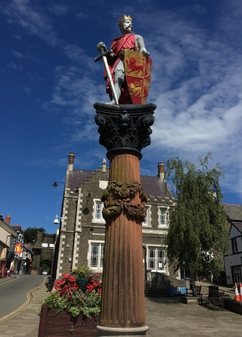 Statue of Prince Llywelyn the Great in Conwy