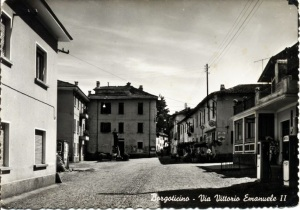 Borgo Ticino - Old Photo of Main Plaza