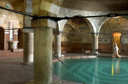 Rudas Bathhouse - Main Pool