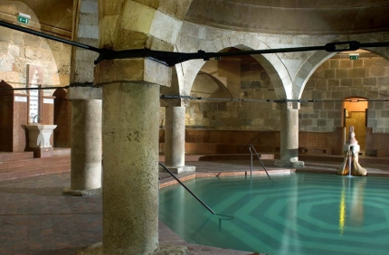 Rudas Bathhouse - Main Pool