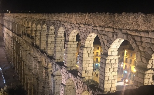 Segovia Aqueduct at night