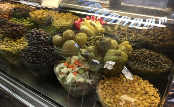 Valencia Central Market Olives