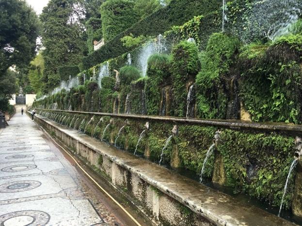 Villa d_Este Wall o' Water